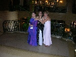 Prom-50-20040628-Cynthia&Nina&Lucie-ChateauFrontenac-01.jpg