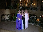 Prom-51-20040628-Cynthia&Nina&Lucie-ChateauFrontenac-02.jpg