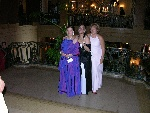 Prom-52-20040628-Cynthia&Nina&Lucie-ChateauFrontenac-03.jpg